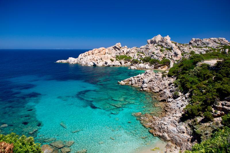 Le 15 spiagge pi belle della sardegna for Cabine di roccia bianca
