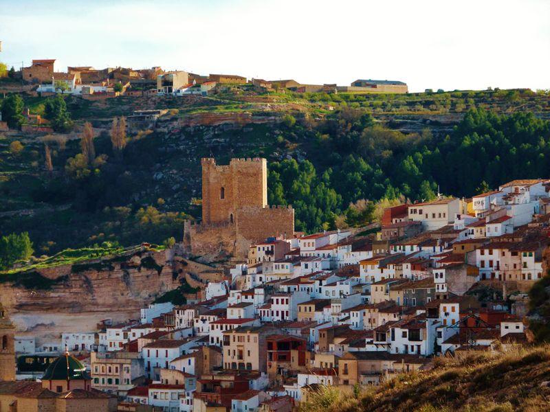 Alcalá de Júcar y el río Júcar en Albacete