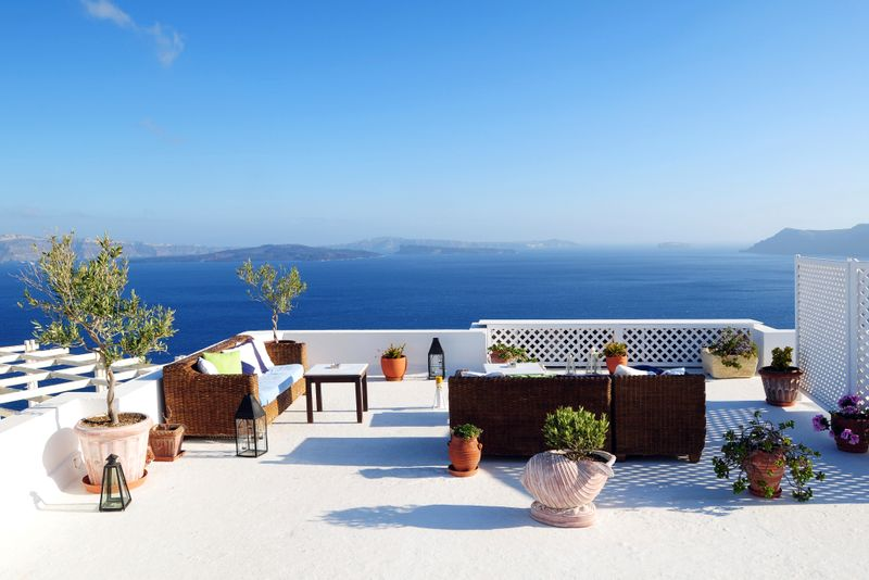 terraza hotel al mar