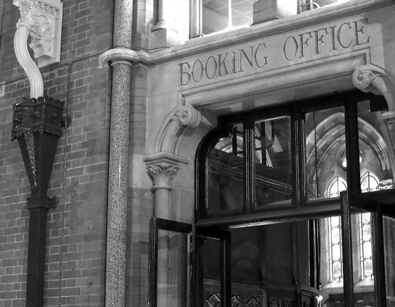 © Elena de Astorza - The Booking Office
