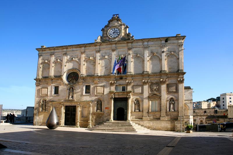 facciata del Palazzo Lanfranchi