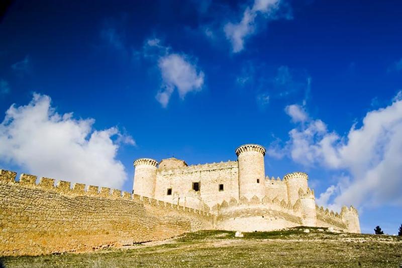 Castillos y Fortalezas de España Belmonte-castle-in-cuenca-castilla-la-mancha-spain