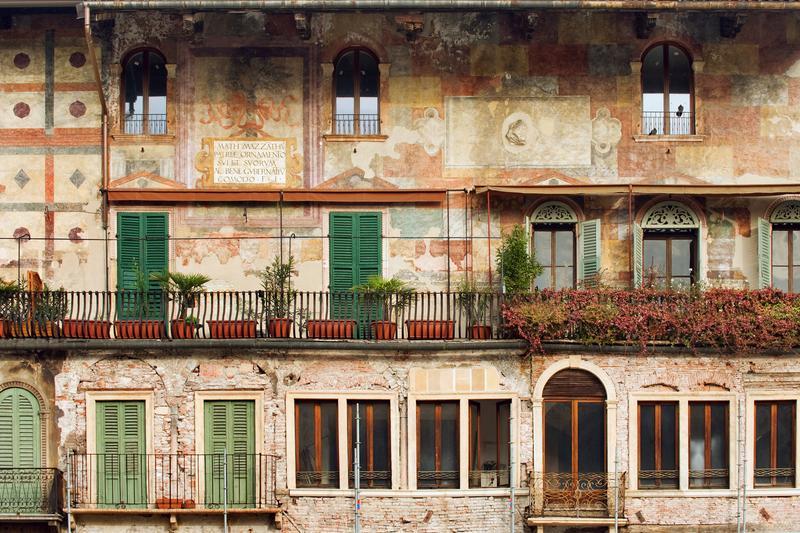 Piazza delle Erbe, Verona, cosa vedere