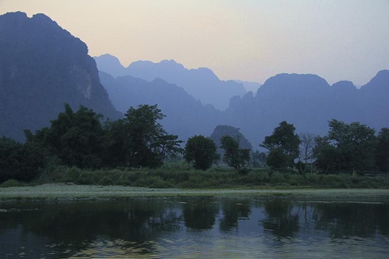 Река в окрестностях Ванг Вьенг, Лаос
