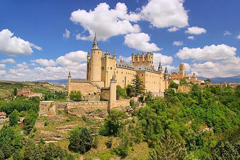 Castillos y Fortalezas de España Segovia-alcazar-castle-castilla-y-leon-spain