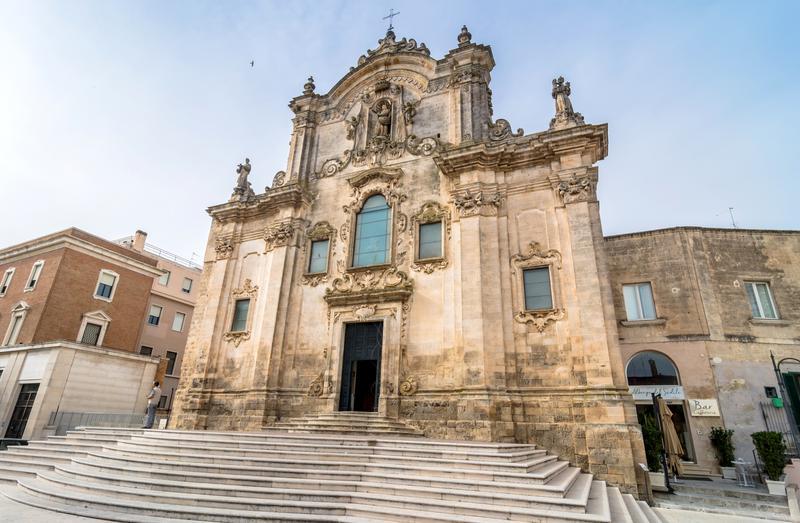 facciata della chiesa san francesco d'assisi