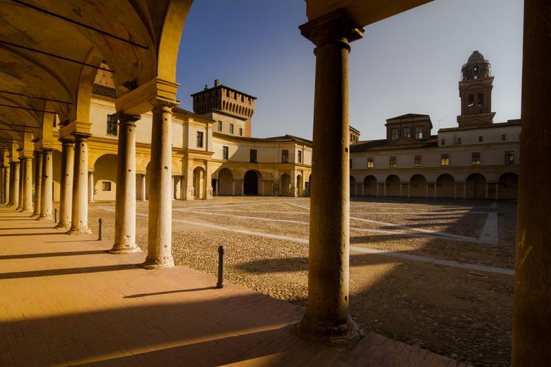Mantova, scorci di città
