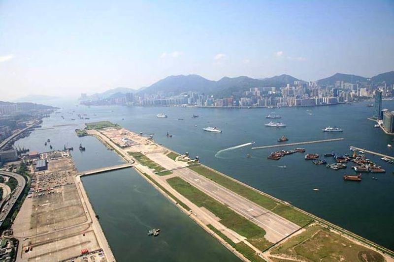 Аэропорт «Кай Так» когда-то служил главным аэропортом Гонконга.