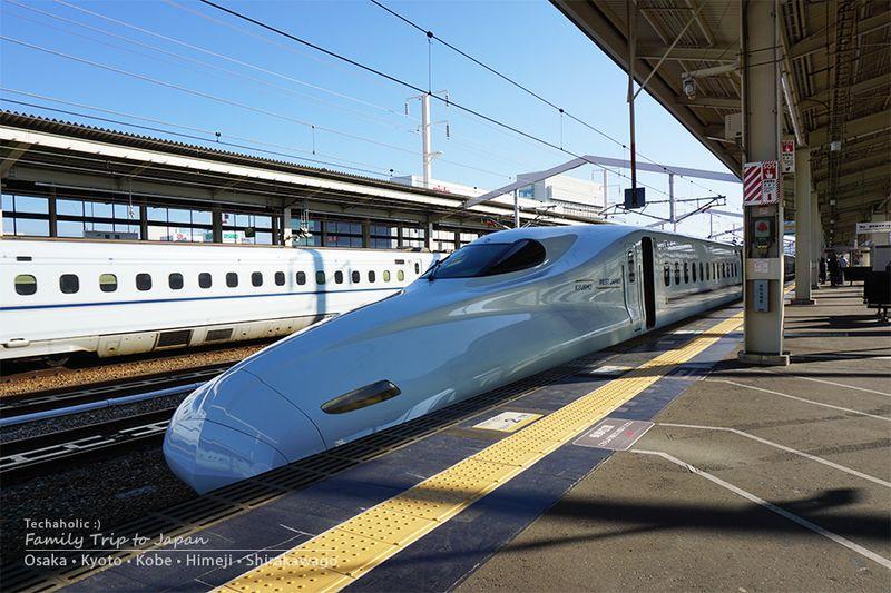 รถไฟชินคันเซ็นไปเมืองฮิเมจิ ประเทศญี่ปุ่น