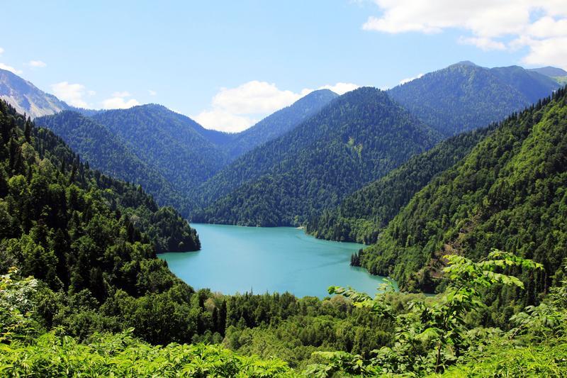 Озеро Рица в Абхазии
