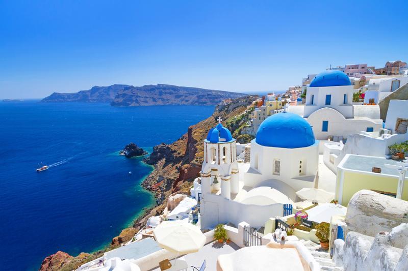 Город Ия на острове Санторини в Греции