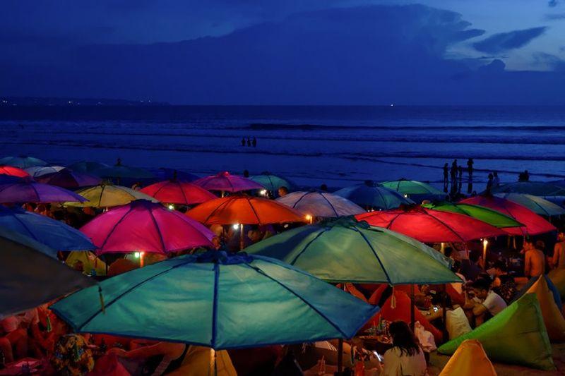7 Destinasi di Indonesia Untuk Tahun Baru-an Bersama Teman-teman - Bali