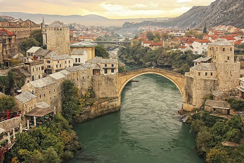 Панорама города Мостара в Боснии и Герцеговине