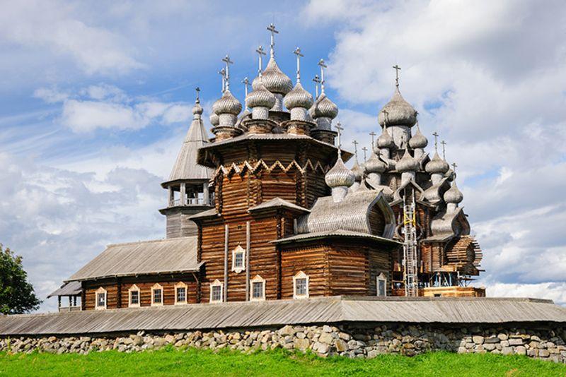Кижи на Онежском озере, Карелия, Россия