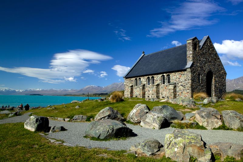 Most Beautiful Wedding Venues In New Zealand - This couple photograph new zealands most breathtaking locations