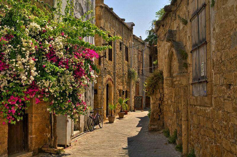 Улочки Кирении, Кипр