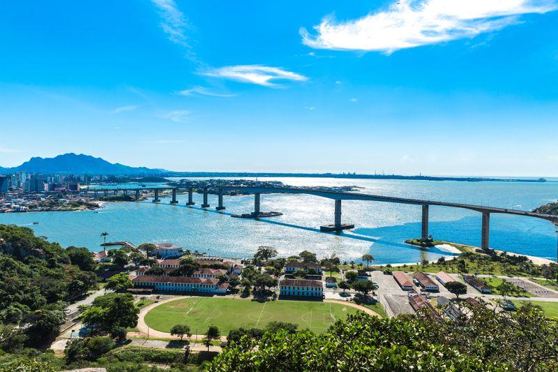 Encuentra hoteles baratos en Vitória a un clic en la foto
