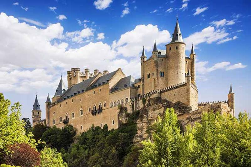 Castillos y Fortalezas de España Alcazar_de_segovia_castle_castilla_y_leon_spain_680