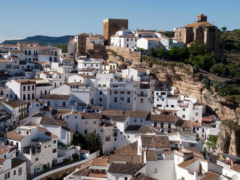 15 pueblos preciosos sobre rocas en espa a - Casas gratis en pueblos de espana ...