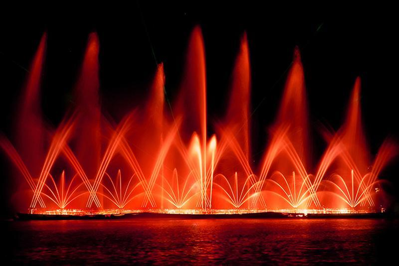 Свето-музыкальное шоу фонтанов в Протарасе, Кипр