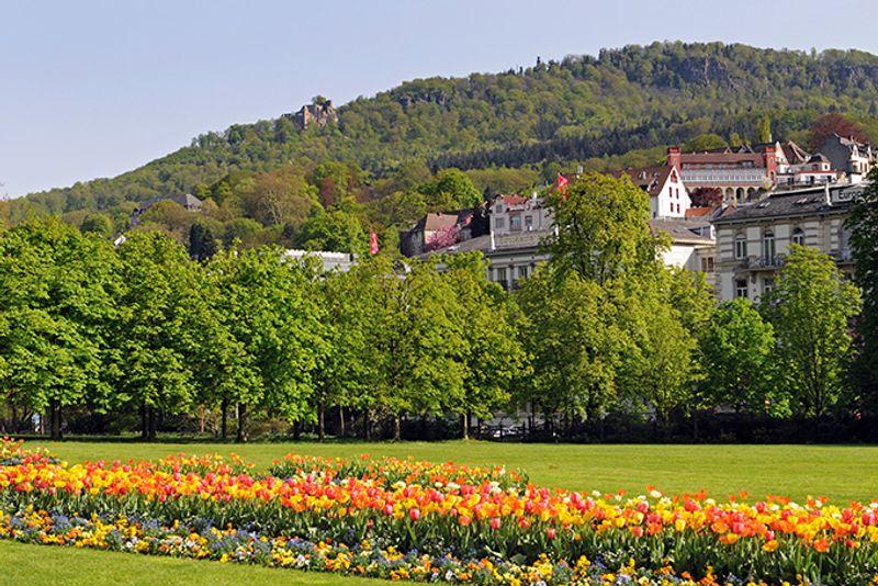 Жизнерадостный весенний Баден-Баден