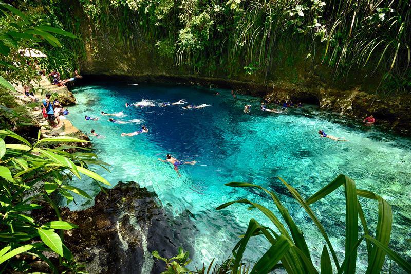 enchanted river in hinatuan