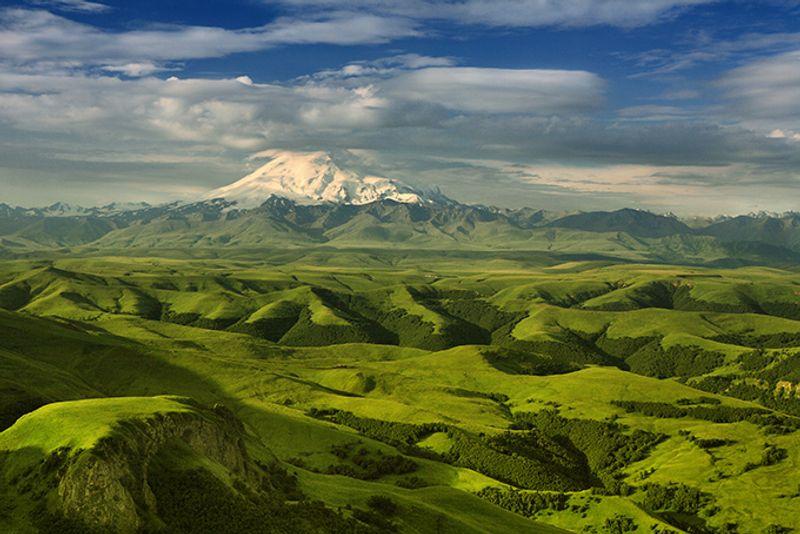 Вид на Эльбрус, Кавказ, Россия