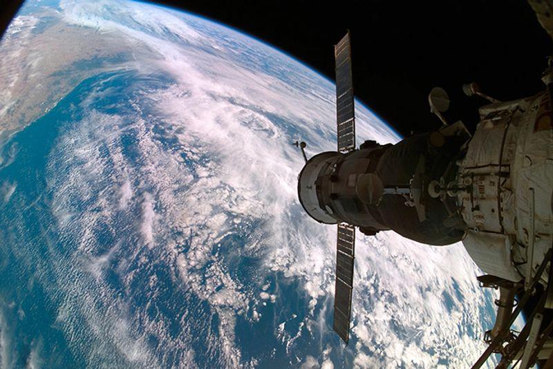 Вид на Землю из космоса