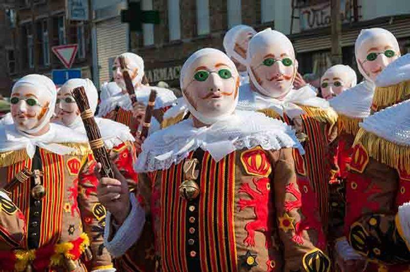 Carnaval de Binche Bèlgica © Weskerbe / Shutterstock.com