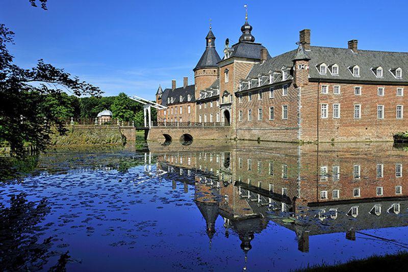Замок Анхольт в Иссельбурге, Германия