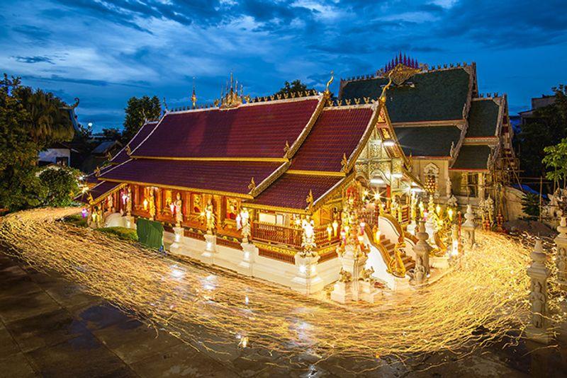 Буддистский храм в Чианг Рае на севере Таиланда