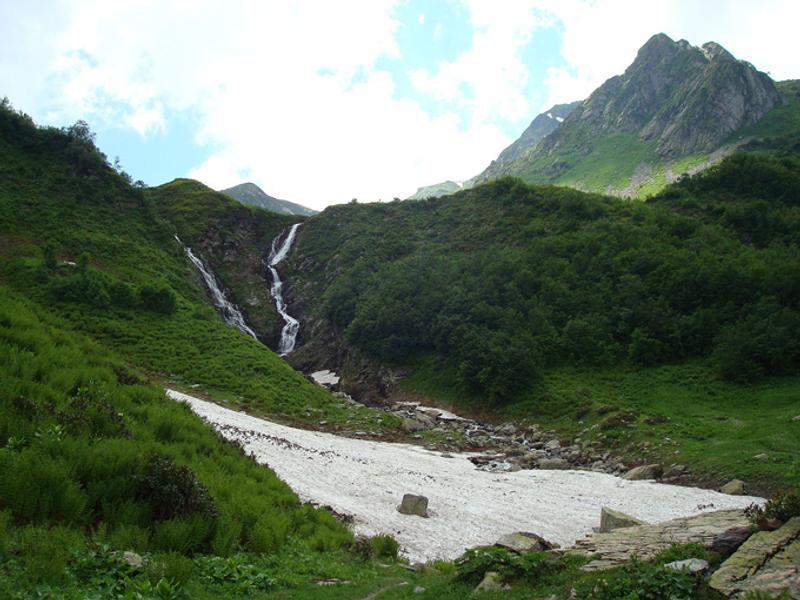 Водопад на реке Ачипсе