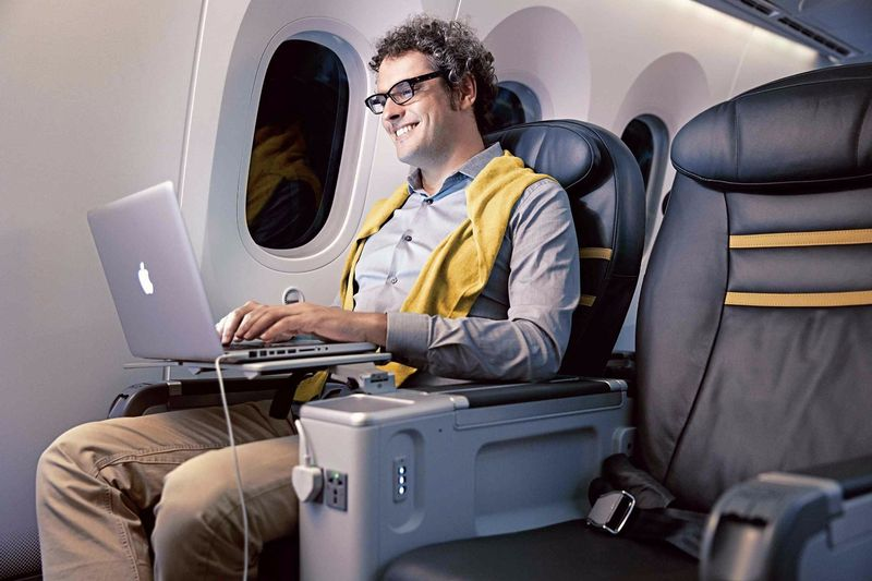 how to book business class flights for cheaper than you 39 d. Black Bedroom Furniture Sets. Home Design Ideas
