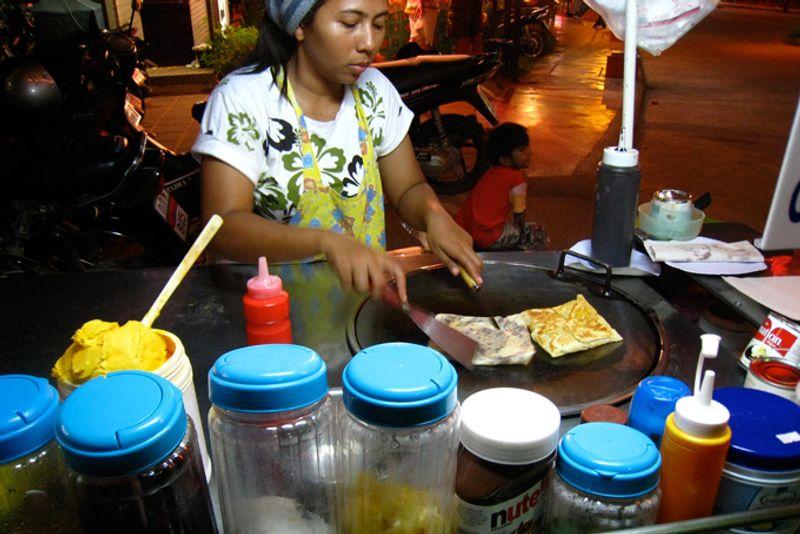 Уличный лоток с блинчиками, Таиланд