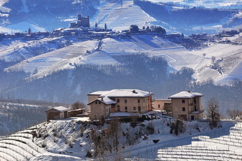 Зимний пейзаж в Пьемонте, Италия