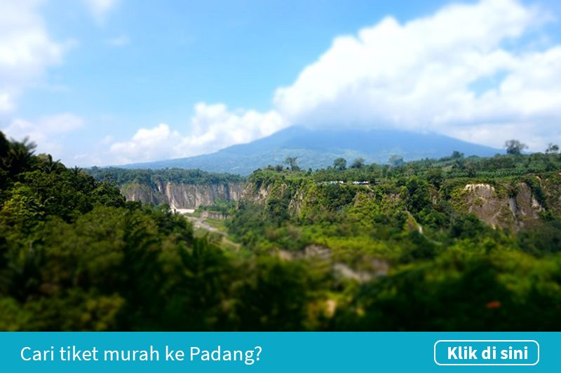 Klik untuk cari tiket pesawat murah ke Padang