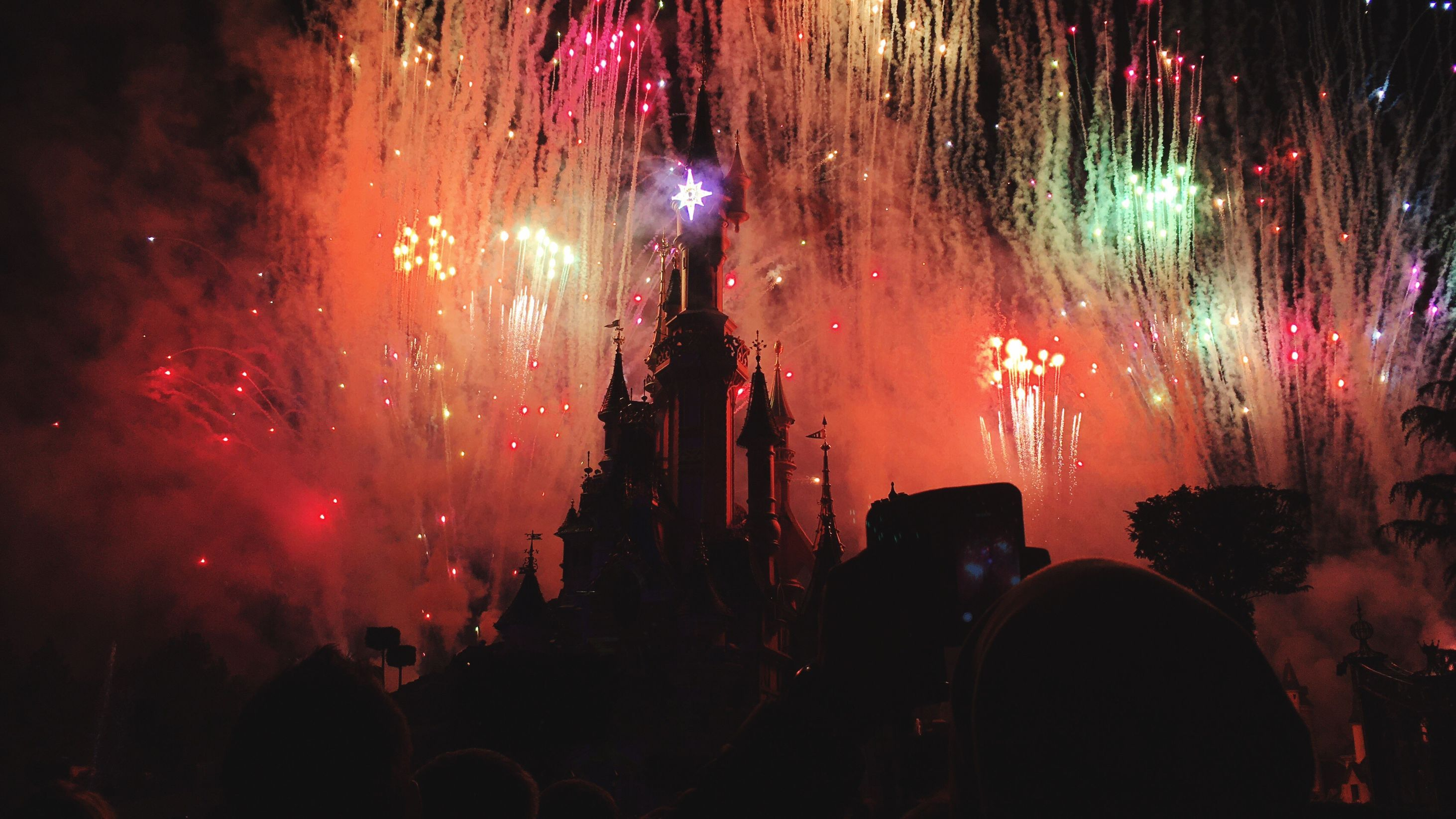 What to pack for Disneyland - Skyscanner 2017-11-19 08:00