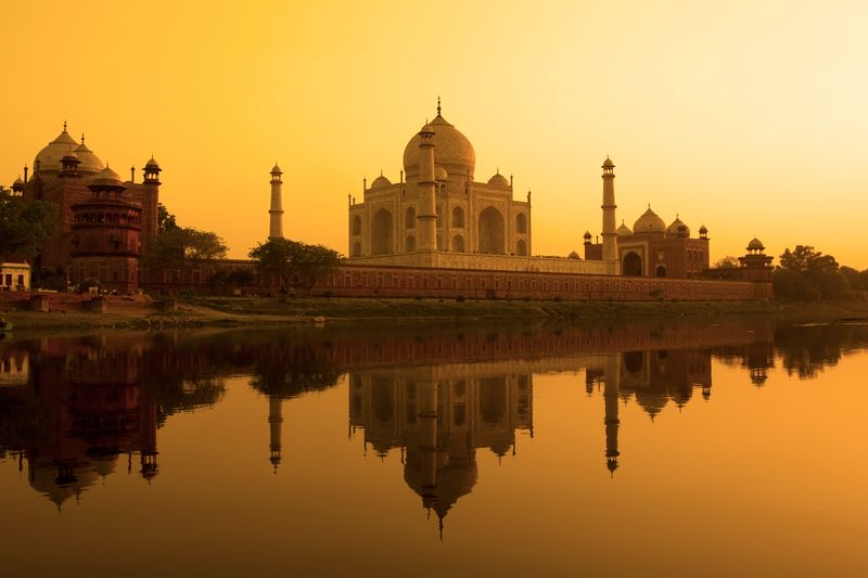 When's the best time to go to India? Taj Mahal at sunset