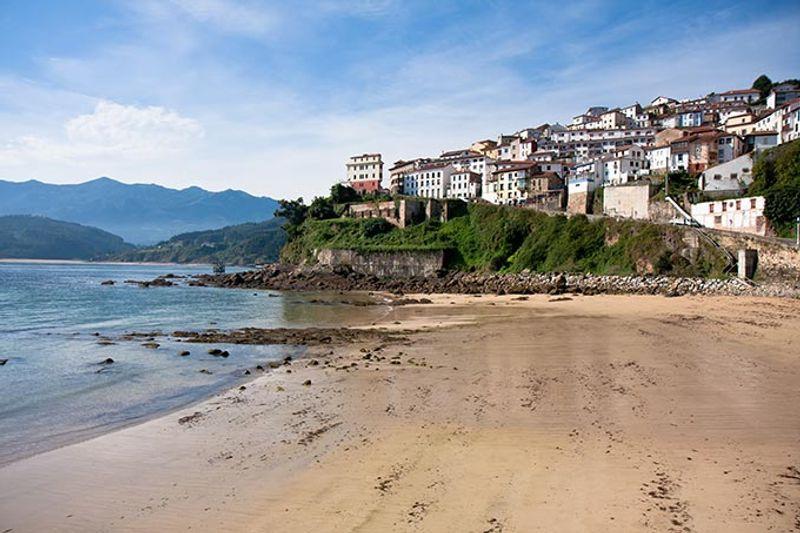 villa de lastres en asturias
