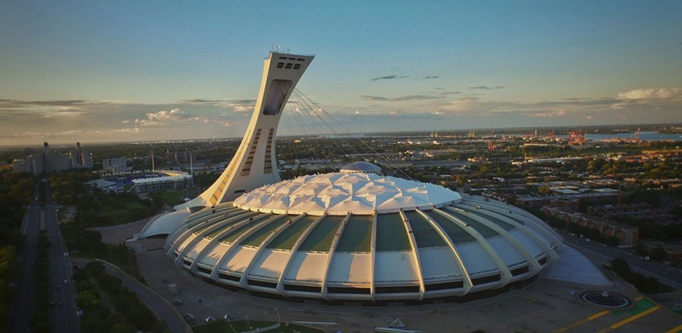 Stadyum, 1976 Olimpiyat oyunları için inşa edilmiş.