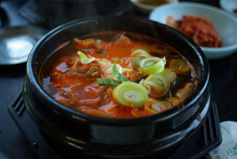 Корейский суп от похмелья хэджангук