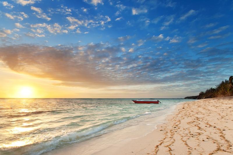 Sunrise di salah satu pantai di Fiji