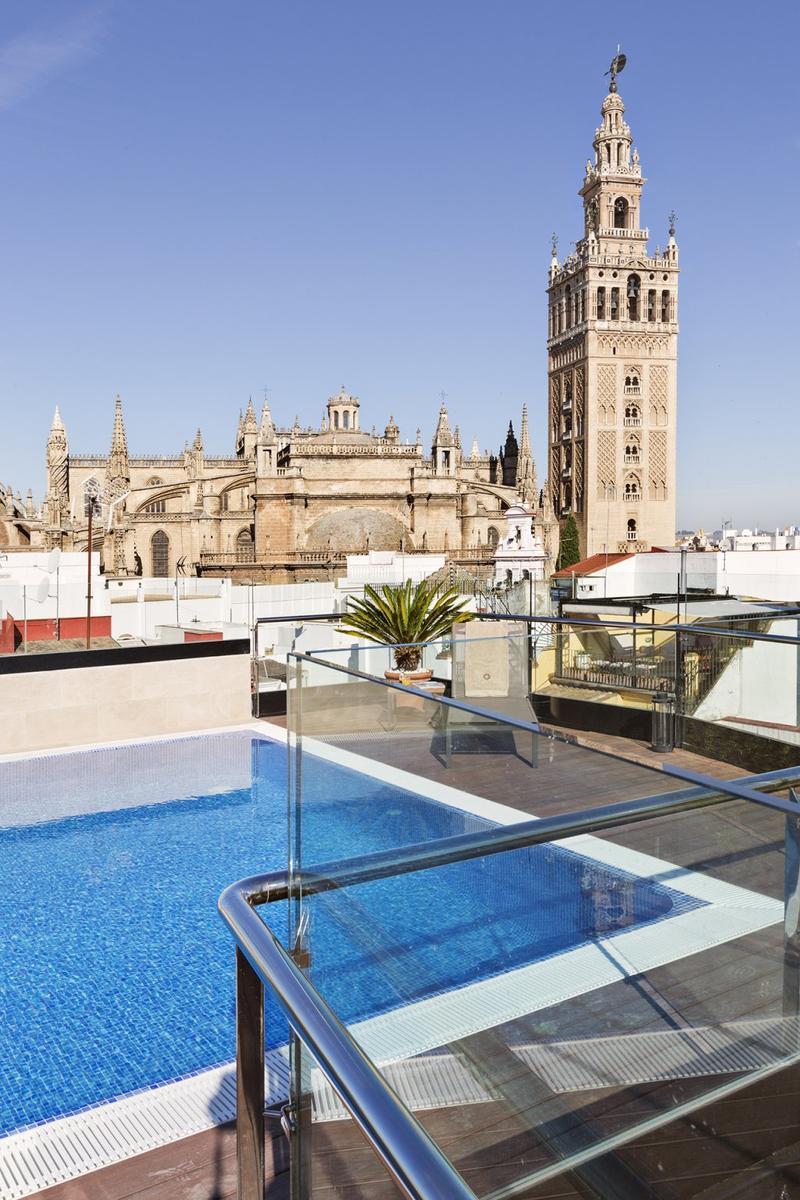 Los 10 mejores hoteles en sevilla for Hoteles sevilla con piscina