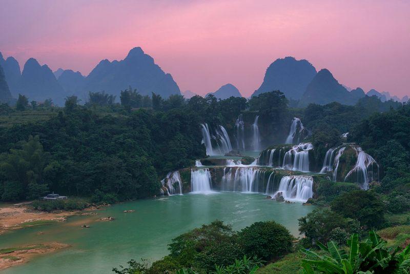 Водопад Детьян на закате, Вьетнам