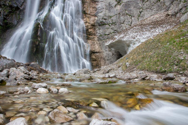 Вид на Гегский водопад в Абхазии