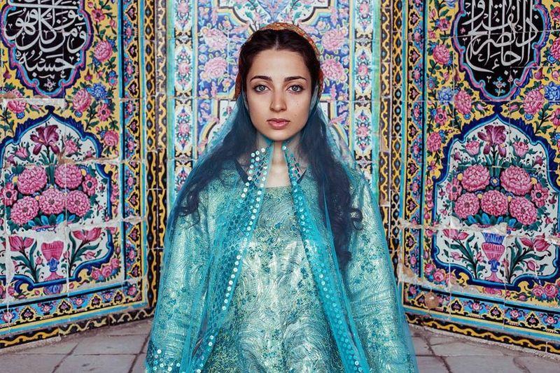 """Жительница иранского Шираза из фотопроекта Михаэлы Норок """"Атлас красоты"""""""