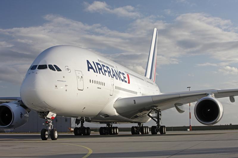 Voyager en a380 les destinations desservies par l 39 airbus for Interieur avion air france