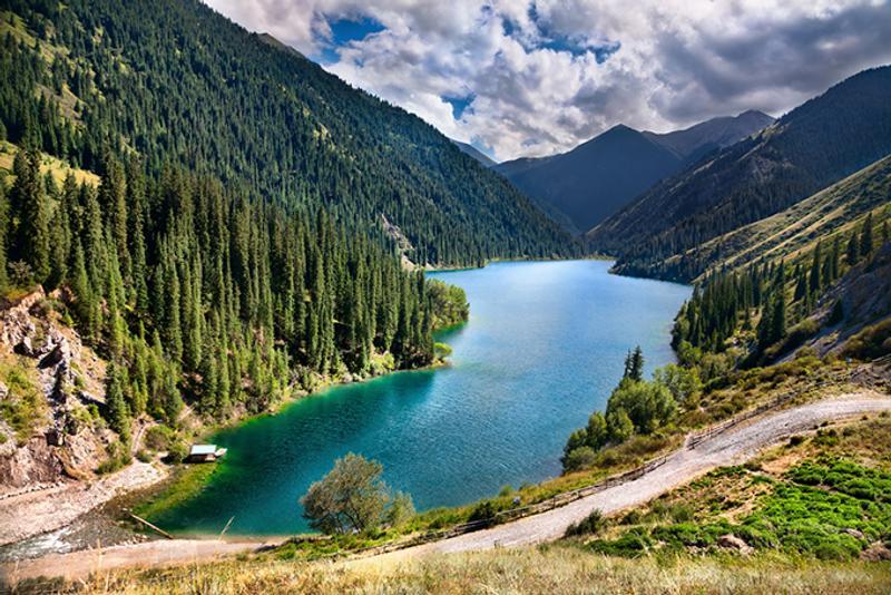 Панорама Кольсайских озер в Казахстане