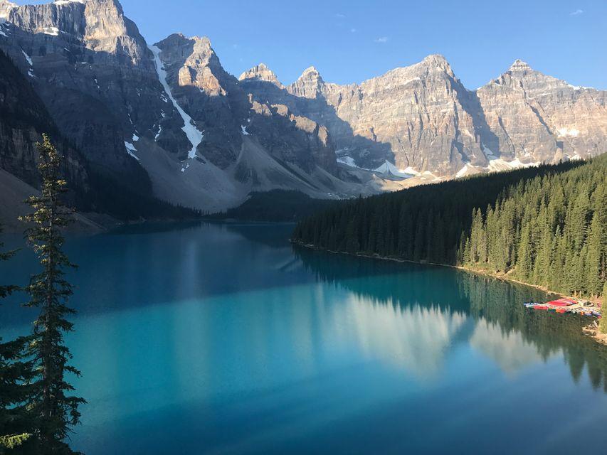 Banff National Park: Moraine Lake in the morning
