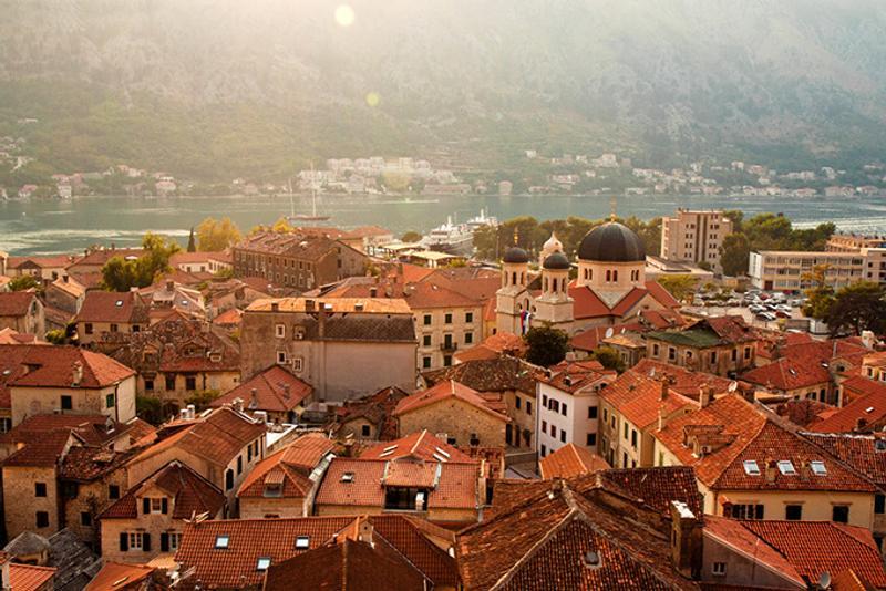 Вид на старый город в Которе, Черногория